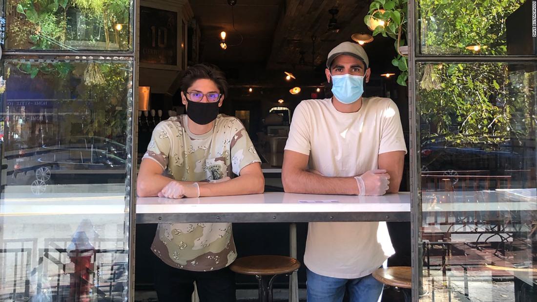 یک رستوران در نیوجرسی با ترس ویروس کرونا به دلیل سخاوت آرایشگاه همسایه باز ماند