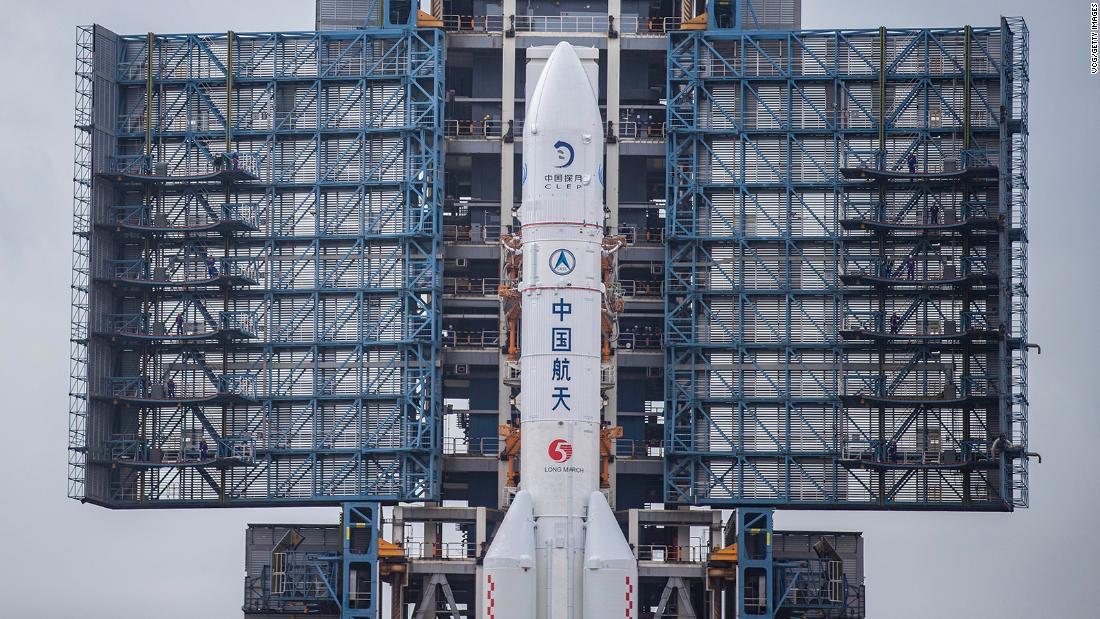 چین برای جستجوی اولین بازیابی سنگ ماه از سال 1970 ، کاوشگر ماه را پرتاب کرد