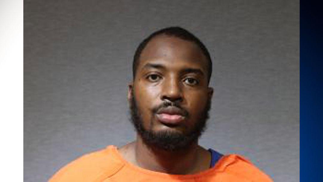 مرد تگزاس شمالی به اتهام چاقو کشی پدر در رختخواب دستگیر شد – CBS Dallas / Fort Worth